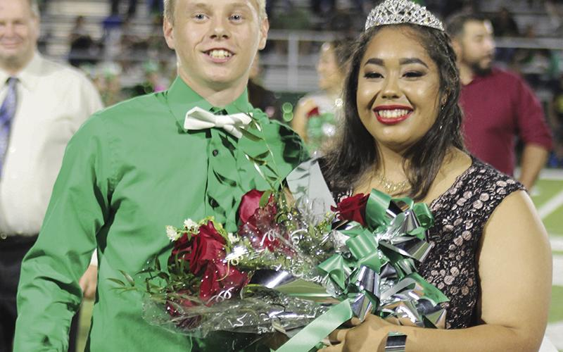 Anthony Pichler and Surisadai Alvarado pose for a photo after being named 2017 homecoming king and queen