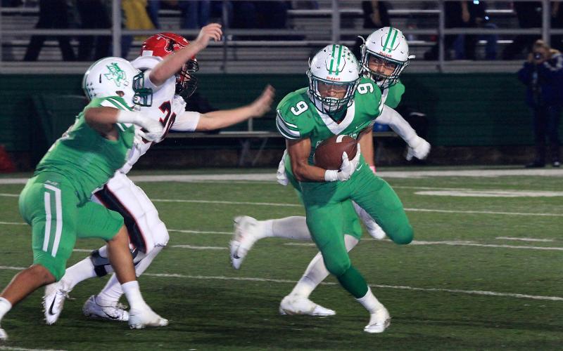 Angel Ruiz (9) runs for a touchdown against Eastland. BA photo contributed by Calvin Best
