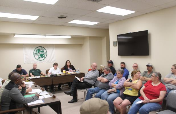 City Commissioners meet in their November meeting. BA photo by James Norman