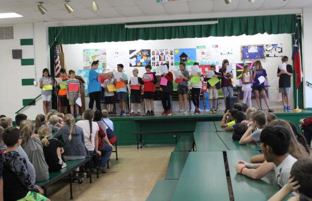The fifth-graders at South Elementary participated in a Reader's Theatre performance to celebrate the Constitutional Convention back in 1787, under the direction of representatives from the Daughters of the American Revolution. This included Lisa Echols and Barbara Trammell, Wednesday, Sept. 19. BA photo by Jean Hayworth